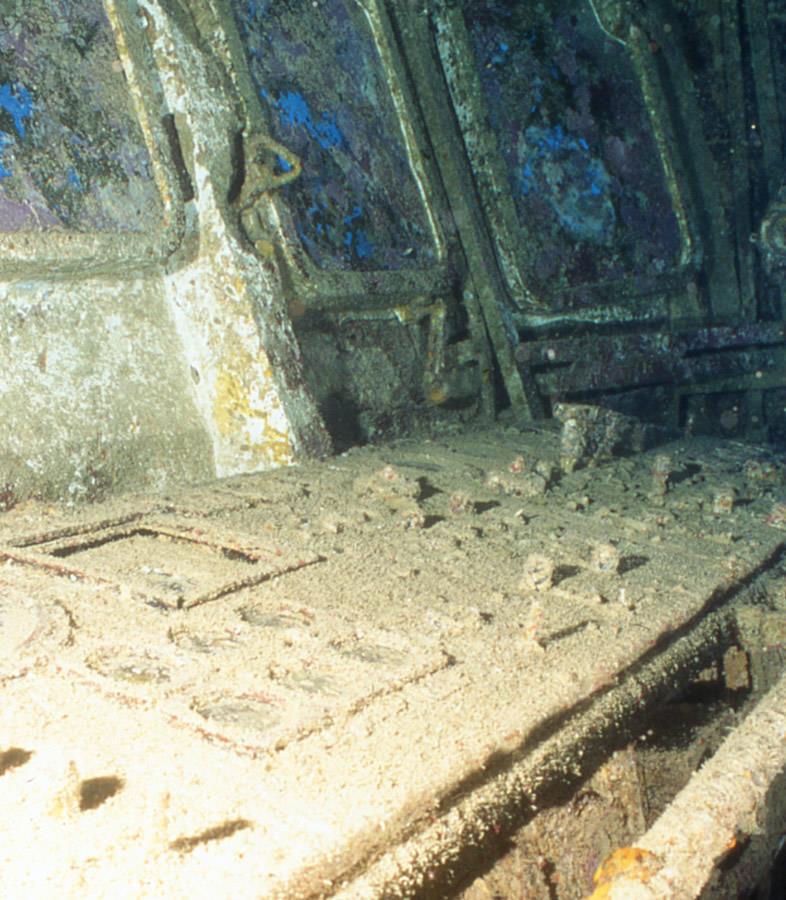 10 Shipwrecks Frozen In Time – Moco-choco  10 Shipwrecks F...