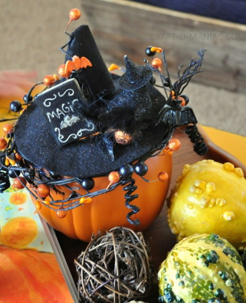 indoor halloween decorating ideas with pumkin 6