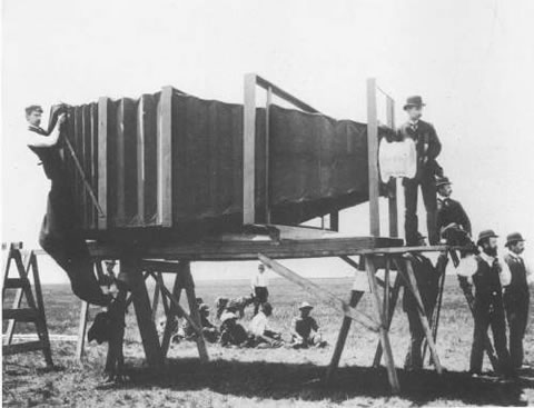 world's first mammoth camera