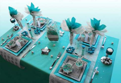 creative christmas table decor ideas  with blue silver color 18