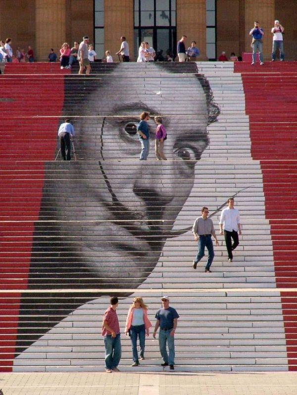 tác phẩm nghệ thuật cầu thang đường phố đáng kinh ngạc