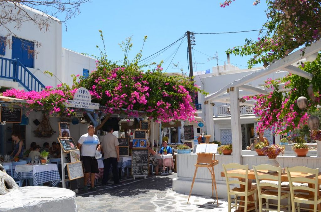 interesting things to see in Greek island Mykonos, cobbled street 8
