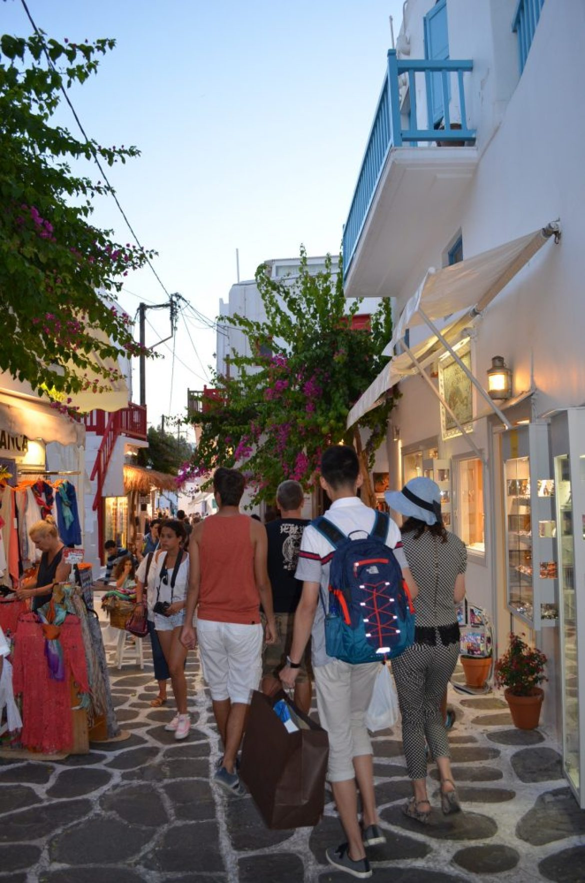 Matogianni-shopping-street-Mykonos