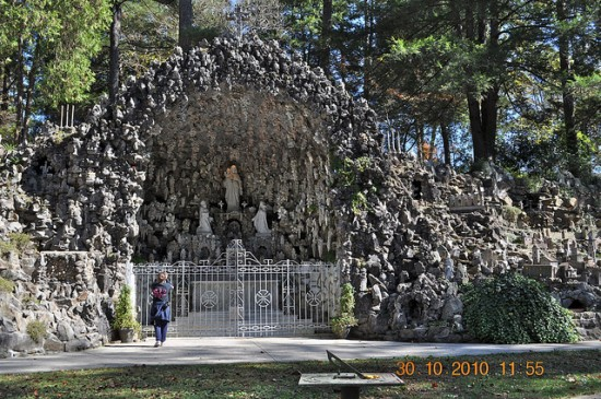 most unusual parks around the world, Grotto 5