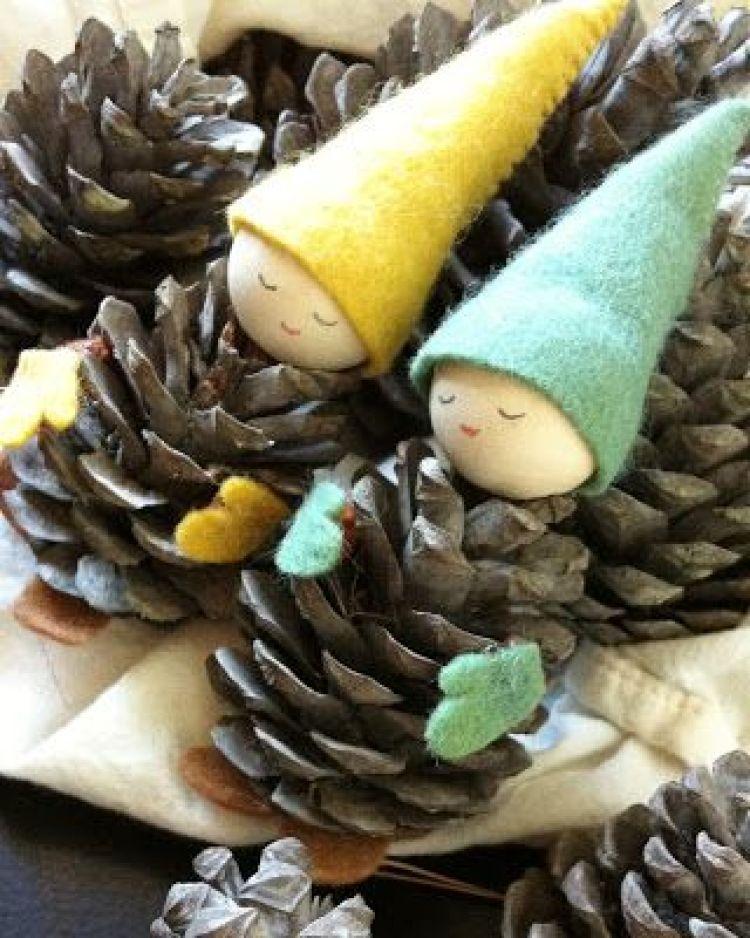 40 easy and cute diy pine cone christmas crafts moco choco cute gnomes pinecone ornaments solutioingenieria Images
