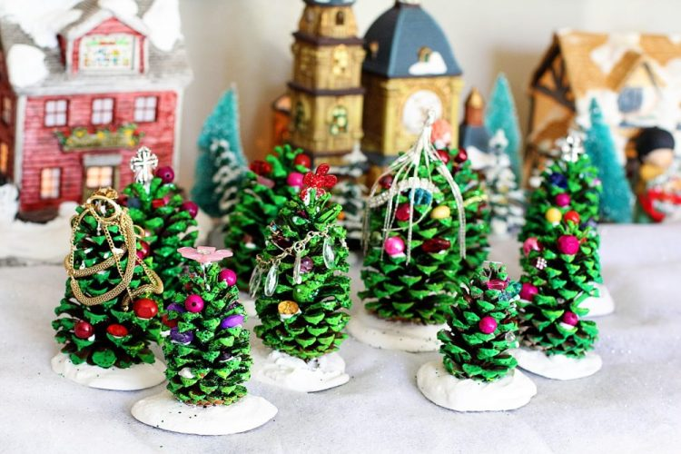 pinecone christmas trees holiday homemade pinecone xmas ornaments 21