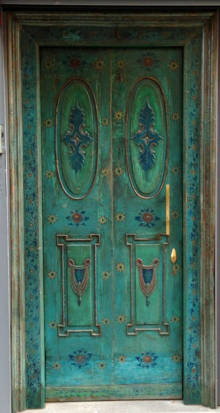 unusual and creative painted doors, Spain 2