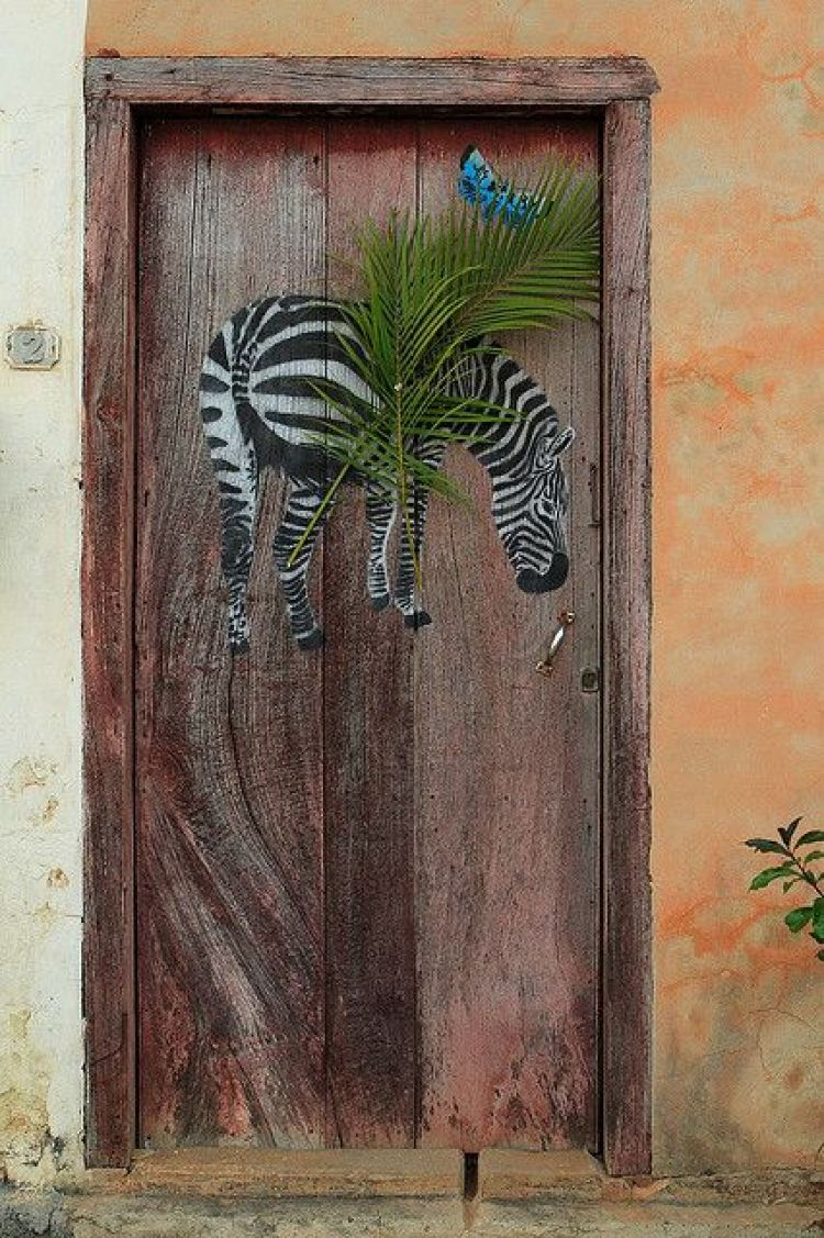 unusual and creative painted doors, Cuba