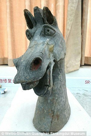 quirky bronze statue Han dinasty 2
