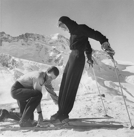 1947, Emilio Pucci sistema un completo da sci