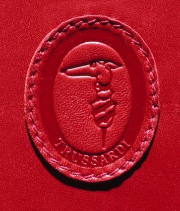 Dizionario della Moda Mame: Trussardi. Il logo del Levriero.