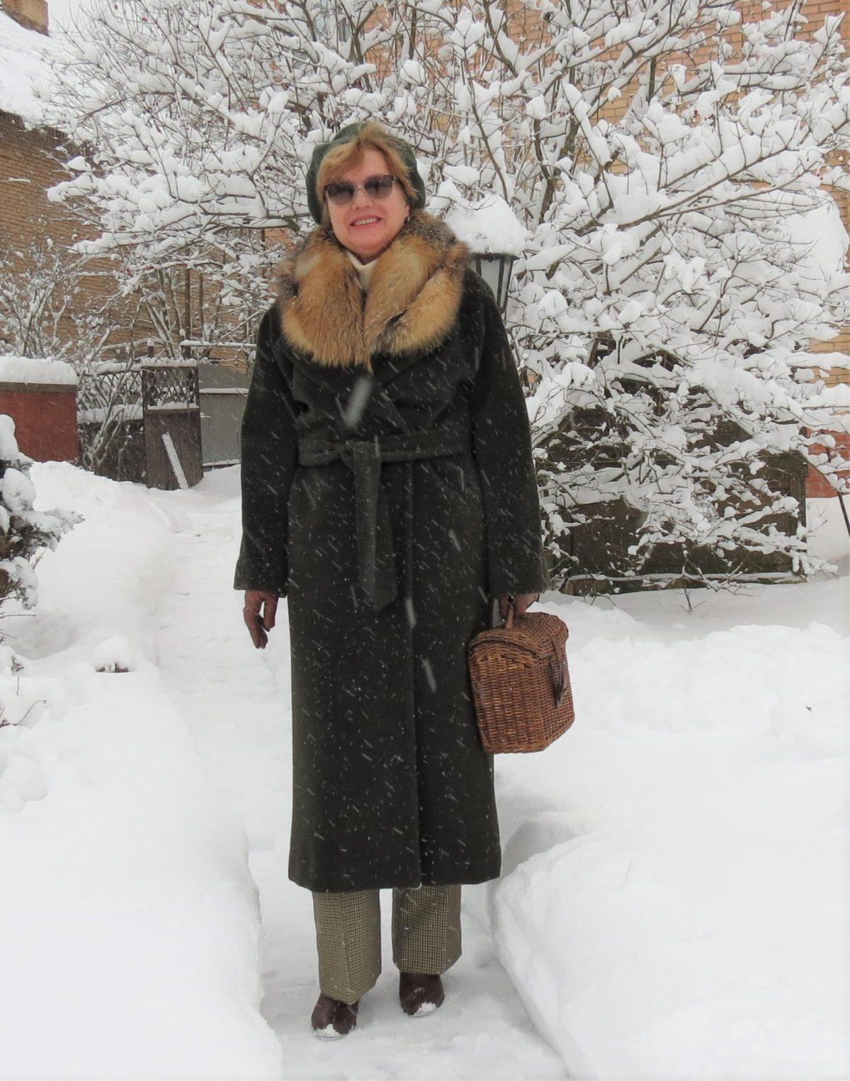 Меховой воротник на демисезонном пальто