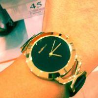Çuha bezinden yapılmış kol saati