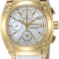 Kaba boyutlarda bayan beyaz kol saati
