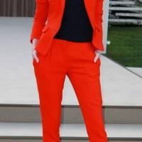 Kırmızı renkli 2015 bayan takım elbise modellleri