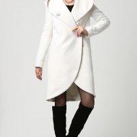 Beyaz renkli en seçkin bayan kaban modelleri