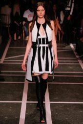 Yumi Lambert - Givenchy Spring 2015
