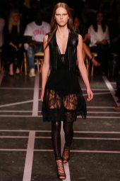 Julie Hoomans - Givenchy Spring 2015