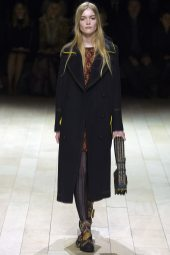 May Bell - Burberry Fall 2016 Ready-to-Wear