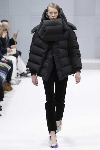 Kerrigan Clark - Balenciaga Fall 2016 Ready-to-Wear