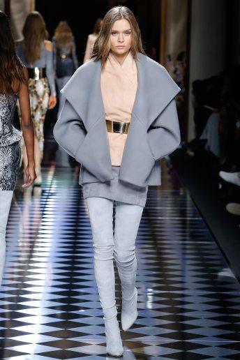 Josephine Skriver - Balmain Fall 2016 Ready-to-Wear