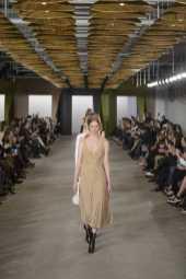 Rianne van Rompaey - Boss Fall 2016 Ready-to-Wear