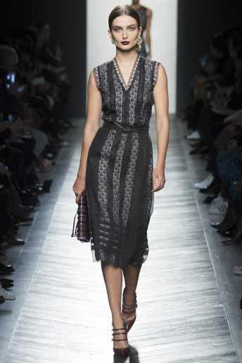 Andreea Diaconu - Bottega Veneta Fall 2016 Ready-to-Wear