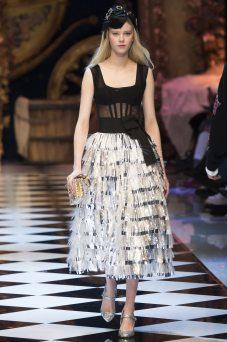 Amalie Schmidt - Dolce & Gabbana Fall 2016 Ready-to-Wear