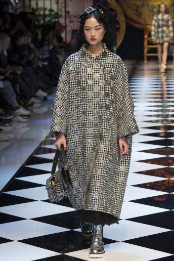 Jing Wen - Dolce & Gabbana Fall 2016 Ready-to-Wear