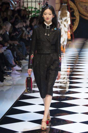 Julee Huang - Dolce & Gabbana Fall 2016 Ready-to-Wear