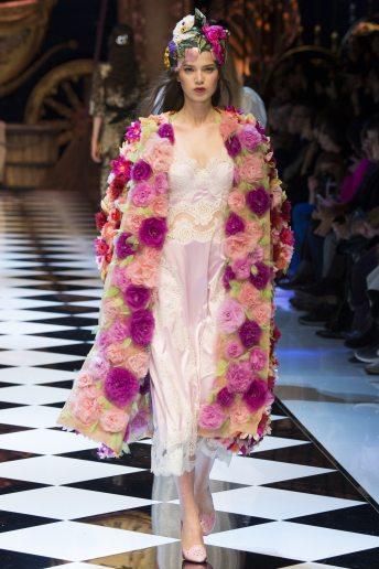Sara Wittgruberova - Dolce & Gabbana Fall 2016 Ready-to-Wear
