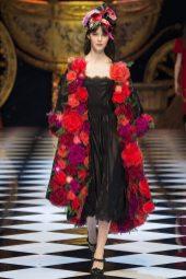 Irina Shnitman - Dolce & Gabbana Fall 2016 Ready-to-Wear