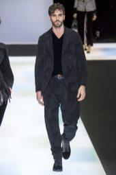Giorgio Armani Fall 2016 Ready-to-Wear