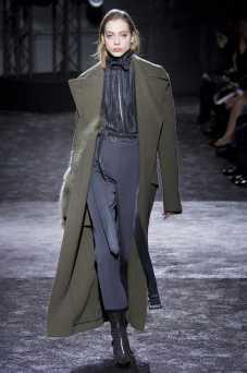 Odette Pavlova - Nina Ricci Fall 2016 Ready-to-Wear