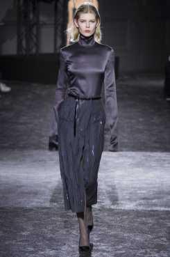 Ola Rudnicka - Nina Ricci Fall 2016 Ready-to-Wear