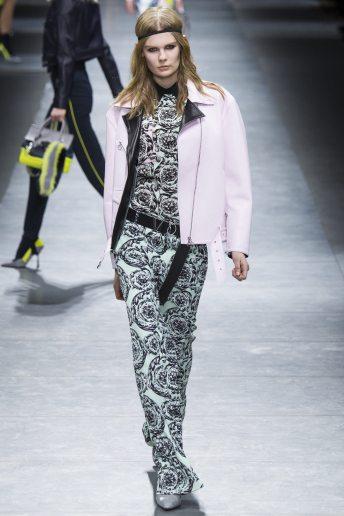 Alexandra Elizabeth - Versace Fall 2016 Ready-to-Wear