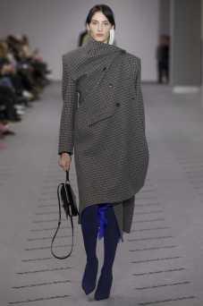Annie Tice - Balenciaga Fall 2017 Ready-to-Wear