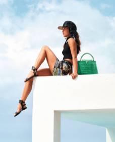 Alicia Vikander - Louis Vuitton 2018 Sezonu Çantaları Tanıtım Kampanyası