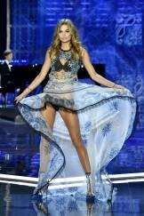 Roosmarijn de Kok - Victoria's Secret Fashion Show