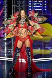 Alessandra Ambrosio - Victoria's Secret Fashion Show