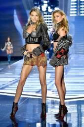 Martha Hunt - Stella Maxwell - Victoria's Secret Fashion Show