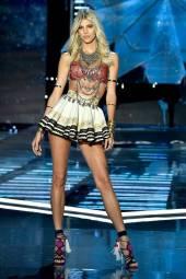 Devon Windsor - Victoria's Secret Fashion Show