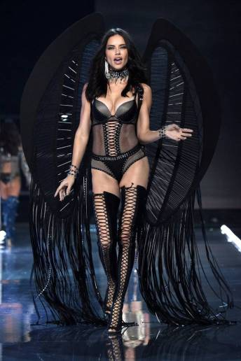 Adriana Lima - Victoria's Secret Fashion Show