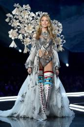 Martha Hunt - Victoria's Secret Fashion Show