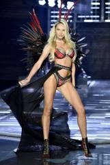 Candice Swanepoel - Victoria's Secret Fashion Show