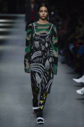 Nora Attal - Burberry Spring 2018 Ready-to-Wear