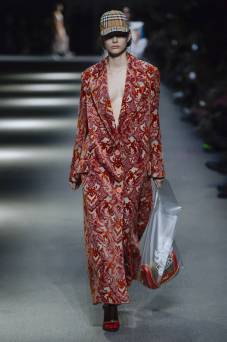 Louise Robert - Burberry Spring 2018 Ready-to-Wear