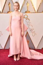 Saoirse Ronan - Elbise: Calvin Klein By Appointment, Ayakkabı: Christian Louboutin, Takılar: Cartier