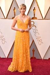 Greta Gerwig - Elbise: Rodarte, Takılar: Tiffany & Co.
