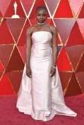 Danai Gurira - Elbise: Gabriela Hearst, Ayakkabı: Sergio Rossi